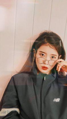 IU Korean Actresses, Korean Actors, Actors & Actresses, Korean Idols, Kpop Girl Groups, Kpop Girls, Korean Girl, Asian Girl, Warner Music