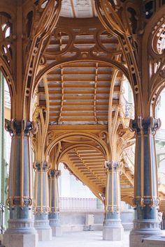 Grand Palais :: Paris > an amazing buiilding! Architecture Classique, French Architecture, Architecture Design, Paris France, Paris Paris, Monuments, Escalier Art, Grand Palais Paris, Art Nouveau Arquitectura