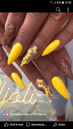 Easy and Fun Spring Nail Designs - Sunflower Nail Art Aycrlic Nails, Glam Nails, Fancy Nails, Love Nails, Hair And Nails, Glitter Nails, Yellow Nails Design, Yellow Nail Art, Gorgeous Nails