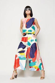 Summer Fashion Tips Gorman.Summer Fashion Tips Gorman Look Fashion, High Fashion, Womens Fashion, Fashion Tips, Arty Fashion, Fashion Hacks, Funky Fashion, Classy Fashion, Couture Fashion
