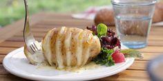 Rezept für Grillkartoffeln mit Géramont. Denn was gibt es besseres als geschmolzener Käse in einer köstlichen Grillkartoffel?! Perfekt für die Grillparty!