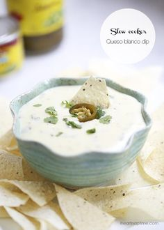 Slow cooker queso blanco dip -5 minutes to prep and only 5 ingredients to make! This cheese dip is seriously the best ever!