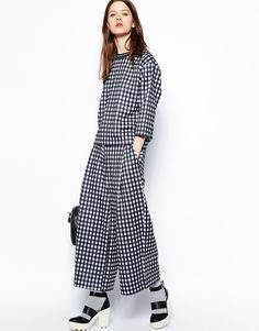 Shop Wood Wood Ophelie Trouser in Black White Check at ASOS. Latest Fashion Clothes, Fashion Online, Fashion Editor, Fashion Trends, Asos Fashion, Date Night Dresses, Dress Me Up, Beautiful Outfits, Going Out