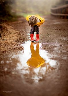 Another take on a little bit of rare rain in California from a few months ago. Rain Photography, Children Photography, Portrait Photography, Persona Vector, Singing In The Rain, Fall Family, Fall Photos, Rainy Days, Baby Pictures