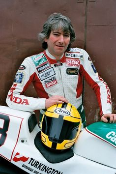 The King of the Mountain 'Joey Dunlop' Motorcycle Racers, Motorcycle Posters, Racing Motorcycles, Vintage Motorcycles, Grand Prix, Gp Moto, Super Bikes, Street Bikes, Road Racing