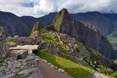 PHOTO: Afternoon sunlight streams over the ruins at Machu Picchu, Peru on http://holeinthedonut.com