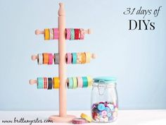 Your decorative paper tape collection is already beautiful, so why not show it off? Check out this smart idea for making your own DIY washi tape storage display! Diy Washi Tape Storage, Diy Washi Tape Holder, Washi Tape Crafts, Craft Room Storage, Diy Storage, Room Organization, Storage Ideas, Craft Rooms, Ribbon Storage