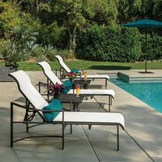The Kenzo Sling Chaise Lounge exhibits simple, graceful lines and a wide frame. This outdoor chaise lounge features Tropitone's plethora of durable, designer fabric options. The Kenzo Sling Chaise Lounge delivers optimal comfort for relaxation all day long.