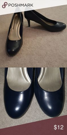 """NIB Navy pumps Navy pumps with 3"""" heel. Never worn. Tried to show color with flash, they are true navy. Comfort Plus Karmen by Predictions. Sole is memory foam, very comfy. Predictions Shoes Heels"""
