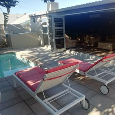 Sontyger Guest House 2 Begonia Rd, Ridgeworth, Bellville Call +27 (0) 21 919 0711 Email reception@sontyger.co.za Sontyger is child friendly and in walking distance to Tygervalley Shopping Centre & the business district. It is close to the airport & popular Cape Town attractions. AA rating / highly recommended. Credit Cards Accepted. #bellville #guesthouse #accommodation #bedandbreakfast #selfcatering #pool #childfriendly #prebookedshuttle #southaarica #capetown #central
