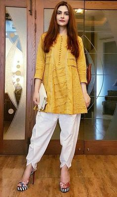Tops For Women gingham shirt dark green shirt – jiangongye Pakistani Fashion Casual, Pakistani Dresses Casual, Pakistani Dress Design, Stylish Dress Designs, Designs For Dresses, Stylish Dresses, Trendy Outfits, Kurta Designs Women, Blouse Designs