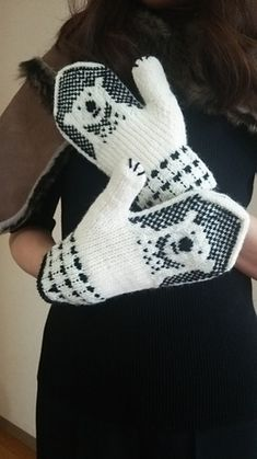 a knit and crochet community Knitted Mittens Pattern, Crochet Mittens, Fingerless Mittens, Knitted Gloves, Knit Crochet, Crochet Hats, Crochet Granny, Knitting Charts, Knitting Socks