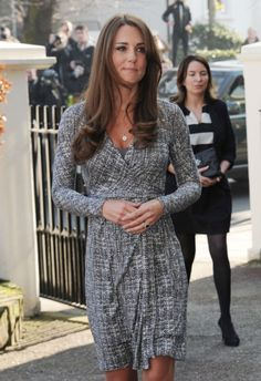 Kate Middleton Food Poisoning Fear: Prince William A Paranoid Mess On Recent Vacation Duchess Kate, Duchess Of Cambridge, Awesome Kate, Camilla Parker Bowles, Kate Middleton Style, Celebs, Celebrities, Celebrity Gossip, Pregnancy Photos