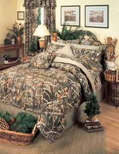 Realtree Max 4 Brown Camo Bedding is for those who like a realistic looking camouflage wilderness plant pattern in brown camo.