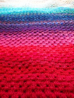 Use your yarn stash to create a northern light memory blanket | A free pattern from Alaska Knit Nat