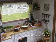 Dollhouse RoomBox Kitchen Fully Equipped Set Scale by Minicler
