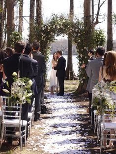 You Ll Never Believe This Bohemian S Dramatic Wedding Arch Event Venues Weddings And Bells