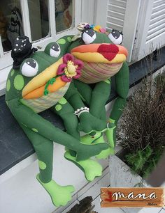 great frogs.