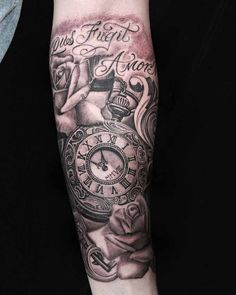 Black and Gray Tattoo Clock and Roses