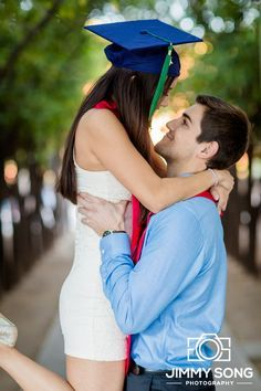 University of Arizona Senior Graduation Portraits Picture Idea  Dress couples cute pose cap