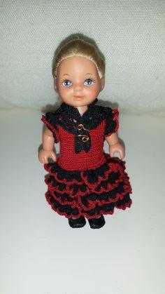 Evi, met haar Spaanse jurk.