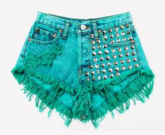 Runwaydreamz is the best fashion source for vintage, high waisted shorts and high waisted jeans. Studded Shorts, Ripped Jean Shorts, Denim Cutoff Shorts, Distressed Denim Shorts, Diesel Punk, Diy Summer Clothes, Diy Clothes, Cyberpunk, Rockabilly