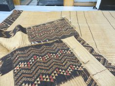 Maori Designs, Maori Art, Kiwiana, Weaving Projects, Weaving Patterns, Teak, New Zealand, Bohemian Rug, Arts And Crafts
