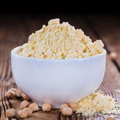La farine de châtaigne est l'une des farines sans gluten les plus utilisées, découvrez comment l'utiliser et l'associer au mieux.