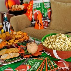 Get the look of a tailgate party with serving trays that fit the play! Get more inspiration for your Football Feast... click the pic!