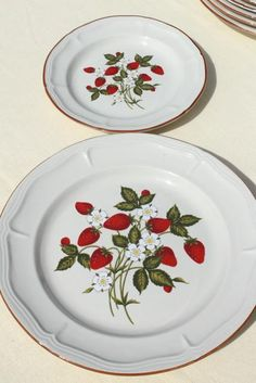 old strawberry pattern 70s 80s vintage Gibson stoneware dishes set for 6 & Mikasa Vintage Dishes Strawberry Festival 63 Piece Set Mint ...