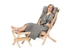 4 van deze stoelen met voetenbankjes. Kuvagalleria - Saunasella Oy Saunas, Butterfly Chair, Outdoor Furniture, Outdoor Decor, Sun Lounger, Chaise Longue, Swinging Chair, Folding Chair, Outdoor Furniture Sets