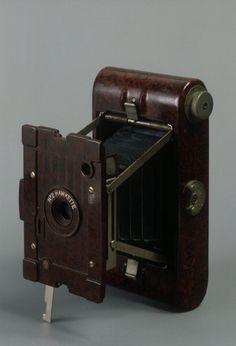United Kingdom 20th century Bakelite camera 1920's