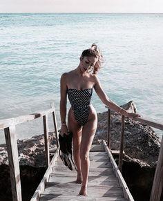 Women S Fashion T Shirts Wholesale Cute Beach Pictures, Beach Photos, Monokini Swimsuits, Swimwear, Beachwear, Girl Inspiration, Cute Bikinis, Lingerie, Beach Babe