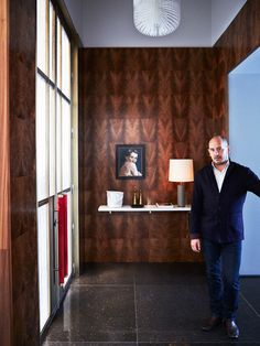 Luis Laplace's goal is to unite aesthetical and functional spaces that can complement and be enhanced by artworks. Design 24, House Design, Top Interior Designers, Entry Foyer, Contemporary Interior Design, Bespoke Furniture, Best Interior, Textured Walls, Wood Paneling