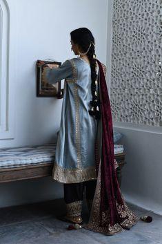 Pakistani Dress Design, Pakistani Dresses, Velvet Pakistani Dress, Indian Bridal Wear, Indian Wear, Indian Designer Outfits, Indian Outfits, Balochi Dress, Fancy Dress Design