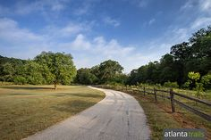 Run or walk Yellow River Park's paved loop through scenic landscapes on the banks of the Yellow River near Stone Mountain. #running #atlanta