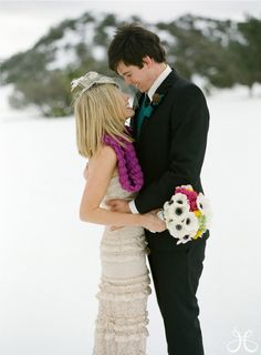 winter wedding... aww one more! I don't know who posted these, but happy to see them :)