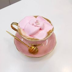 Image discovered by Find images and videos about pink, food and aesthetic on We Heart It - the app to get lost in what you love. Coffee Love, Coffee Art, Think Food, Cafe Food, Aesthetic Food, Food Cravings, Afternoon Tea, Tea Party, Food Photography