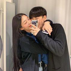 Cute Couple Poses, Cute Couple Pictures, Cute Couples Goals, Couple Goals, Couple Photos, Mode Ulzzang, Ulzzang Girl, Korean Aesthetic, Couple Aesthetic