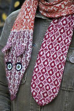 Fox scarf designed by Kiri Kari - knitted by Virginute on ravelry. Knitting Charts, Knitting Stitches, Knitting Patterns, Fox Scarf, Butterfly Scarf, Knitting Scarves, Scarf Ideas, Scarf Design, Slip Stitch