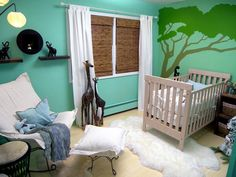 Oh.my.gosh. I'm not baby-crazy but this makes me want to have a child! Bright and organic nursery.