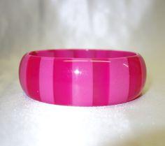 Vintage Hot Pink Tone-on-Tone Cased Lucite Bangle Bracelet