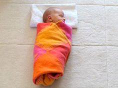 Puckanleitung | Ganze Völker schwören darauf: Pucken. Ob sich Ihr kleiner Liebling eingewickelt in eine Decke wohlfühlt, können Sie ganz einfach ausprobieren. Hier lernen Sie Schritt für Schritt, wie man sein Baby puckt.