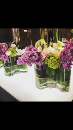 Composition de fleurs avec lila et pivoines