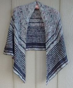 f21c42be68f1 Download Storm   Siege Shawl knitting pattern - Knitting Patterns  immediately at Makerist Crescent Shawl