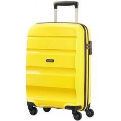Deze vrolijke koffer van American Tourister is verkrijgbaar bij Van Os tassen en koffers. http://www.vanostassenenkoffers.nl/merken/american-tourister-123/handbagage-bon-air-55-cm-4069193010-detail