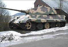 La-Gleize-Stoumont-king-tiger-tank-II-neige