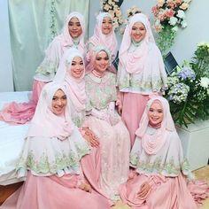 Beautiful hijab wedding dress in pink. Muslimah Wedding Dress, Hijab Style Dress, Muslim Wedding Dresses, Muslim Brides, Modest Bridesmaid Dresses, Muslim Dress, Hijab Chic, Dress Wedding, Bridesmaids