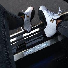 Air Jordan 12 taxi's