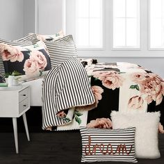 Lush Decor comforters and quilts make it easy to create a stylish room. Shop our bedding and comforter sets in a range of fabrics and patterns. Young Adult Bedroom, Girls Bedroom, Bedroom Ideas, Bedroom Inspiration, King Comforter, Comforter Sets, Tween Beds, Lush, Floral Comforter